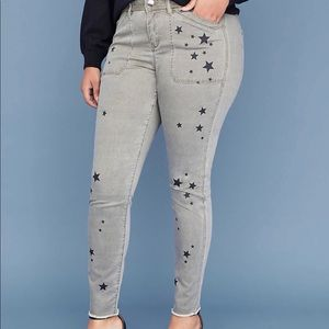 Plus size mid rise skinny jeans size 28